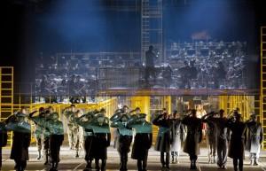 Bernd Alois Zimmermanns Die Soldaten i regi av Calixto Bieito. Komische Oper, Berlin. Foto: Monika Rittershaus